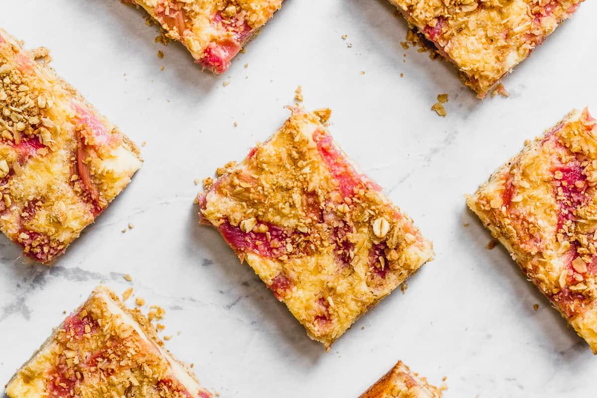 Rhubarb Crumble Cheesecake Bars