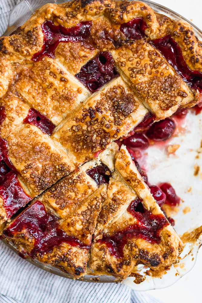 Sliced Cherry Pie with Lattice Topping